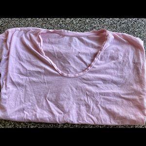 Everlane Women's U-neck T-shirt. Like new!